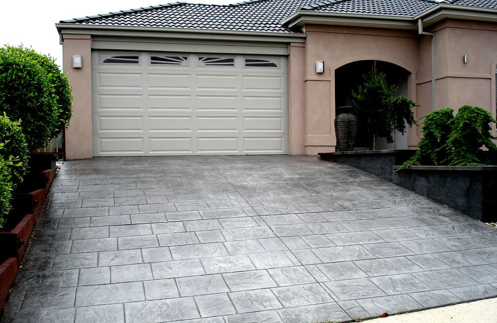Murchison (Charcoal With Black Release) Slate Impression Driveway