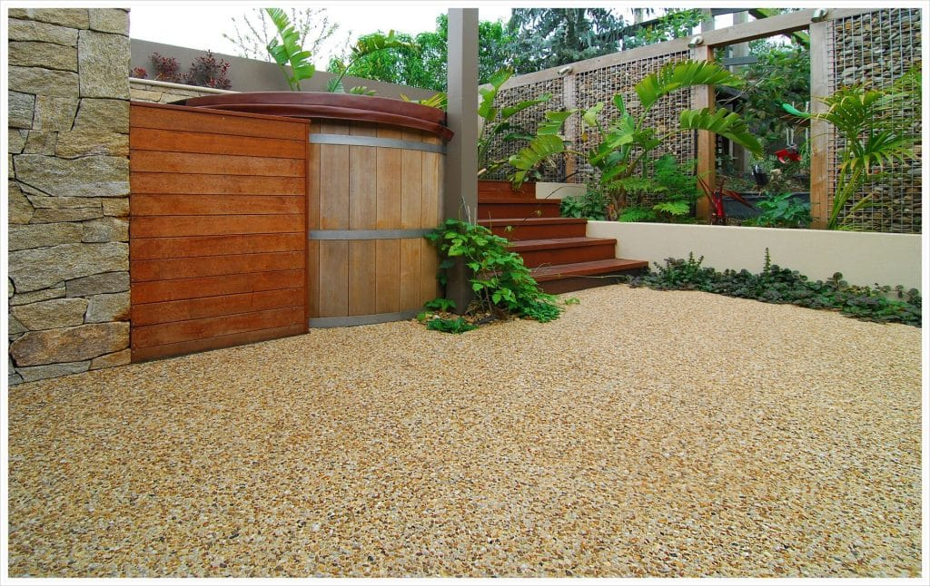 Spa / entertaining area in Pakenham with Sinrise coloured exposed aggregate